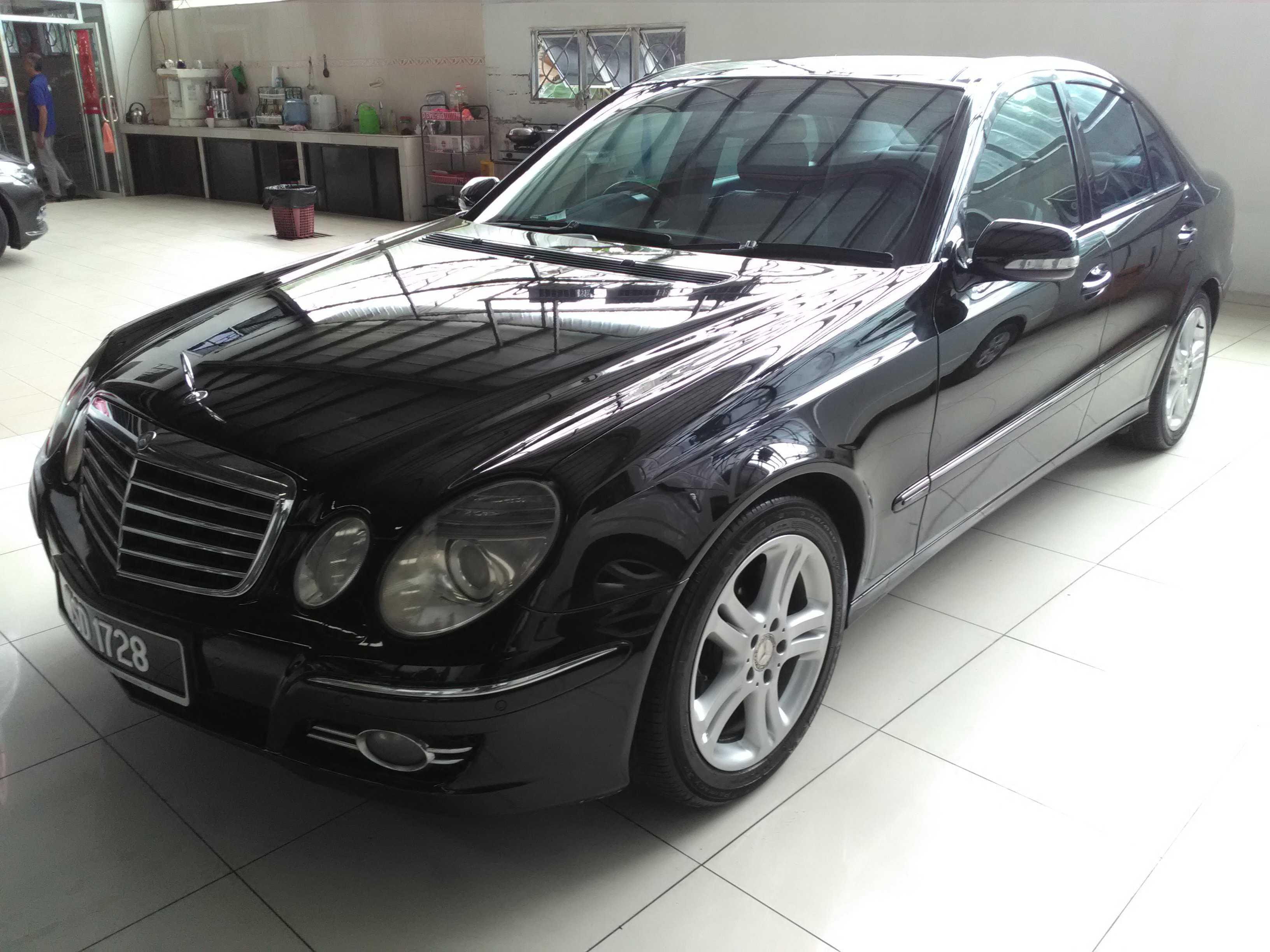 Mercedez Benz E230(A)