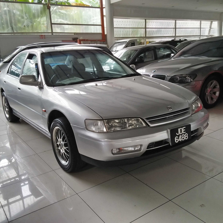 Honda Accord 2.0 (M)