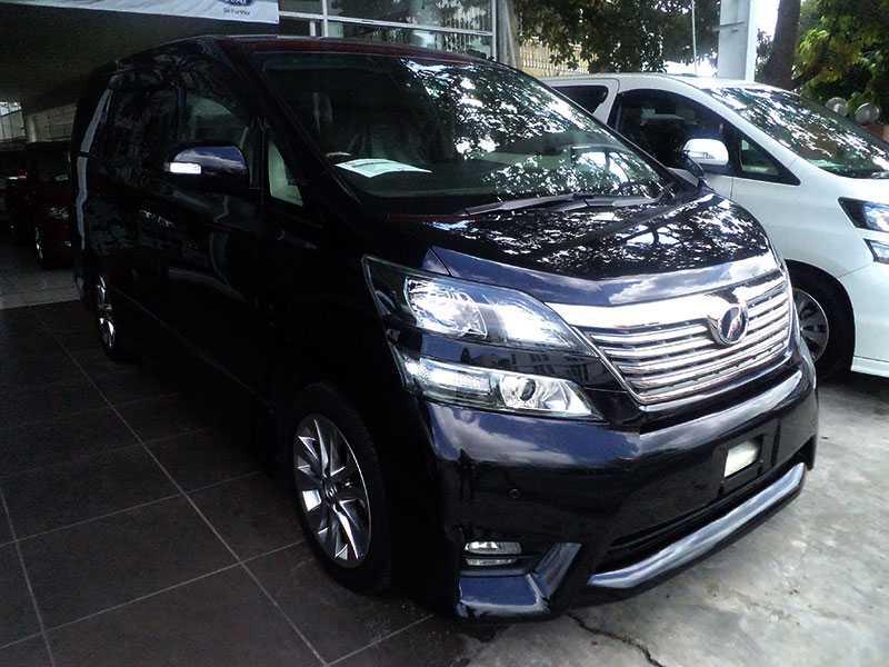 Toyota vellfire 2.4cc - (2010) BLACK