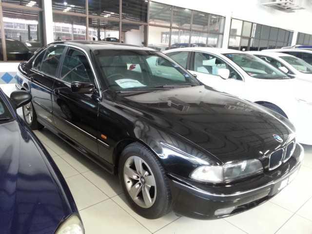 BMW 528i (A)SALOON