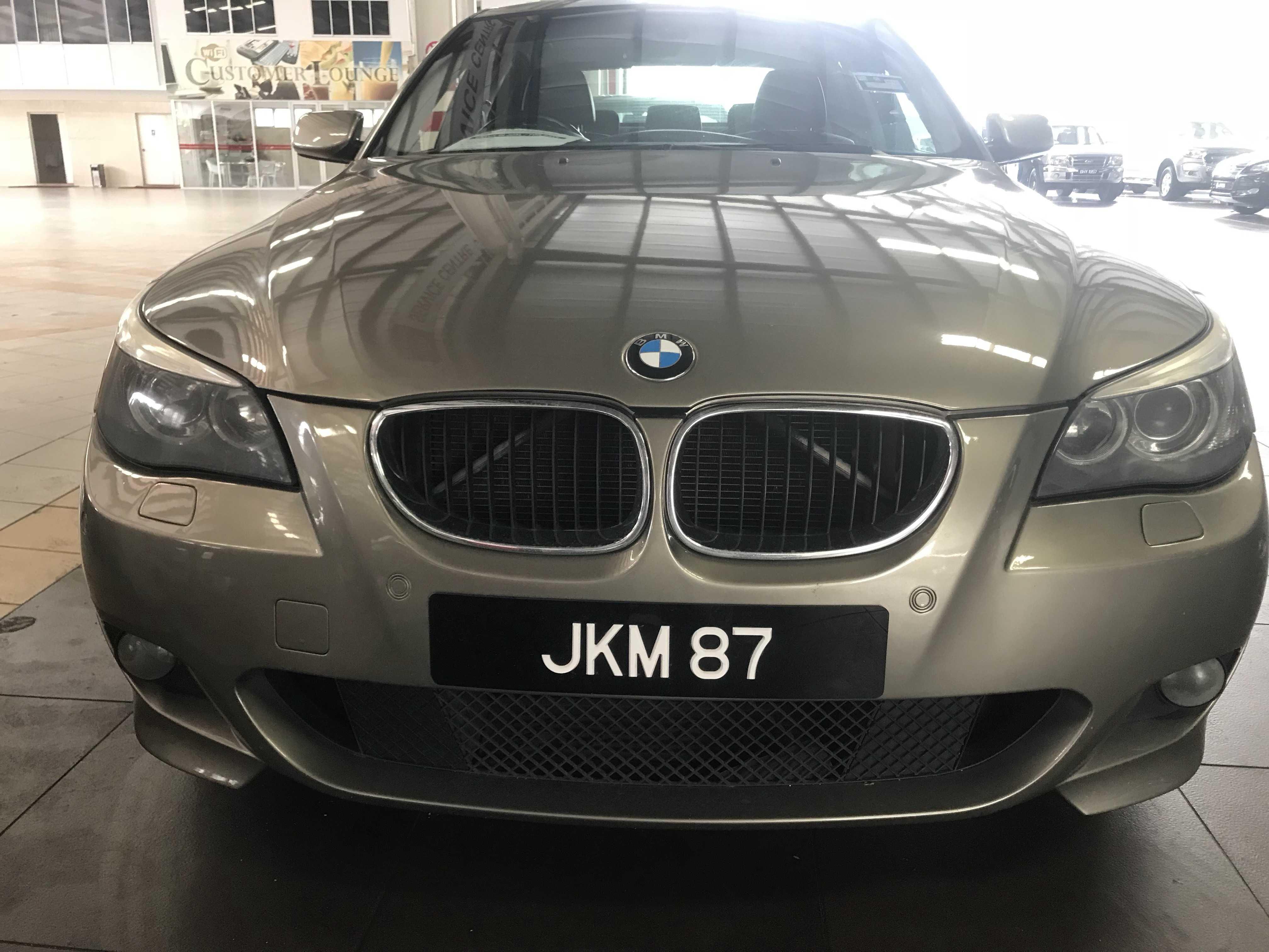BMW 523i (A)