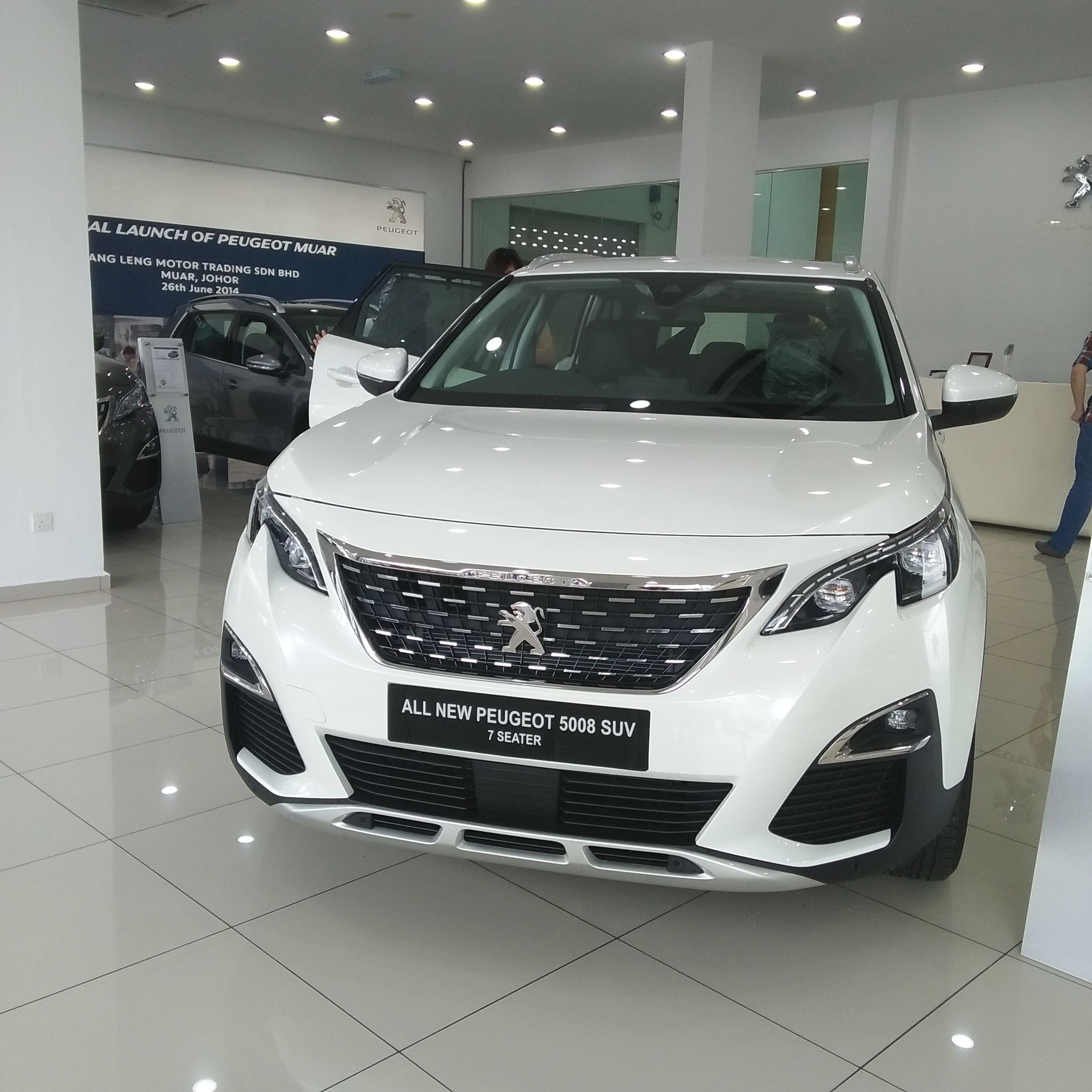 Launching New 7 Seaters Peugeot 5008 SUV