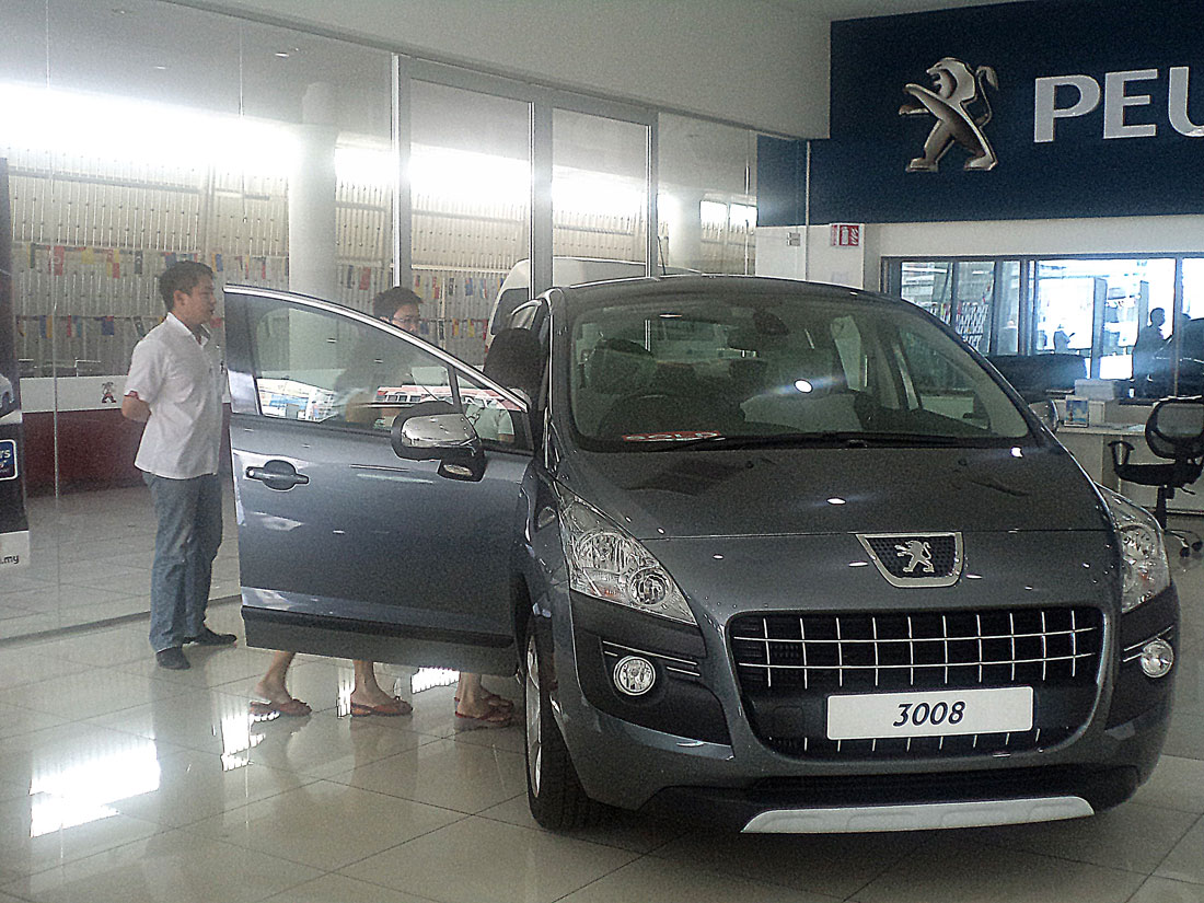 Peugeot weekend test drive